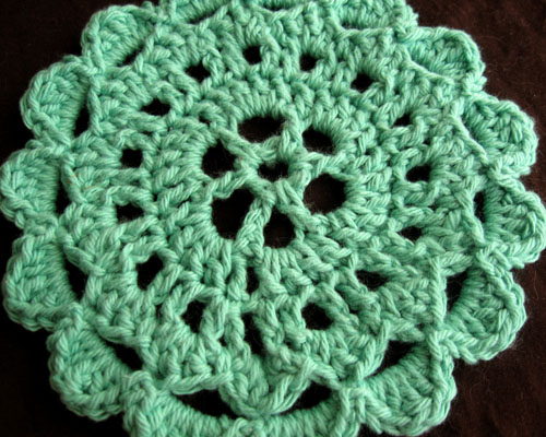 Free Crochet Pattern: Flower Trivet Hello Speckless ...