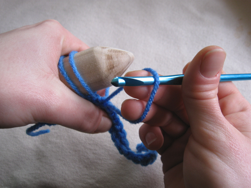 broomstick lace_inserting ring finger