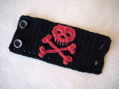 crochet skull and crossbones