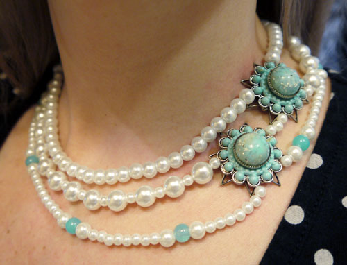 vintage pearl necklace by speckless