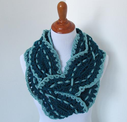 Sound Wave Infinity Scarf Crochet Pattern